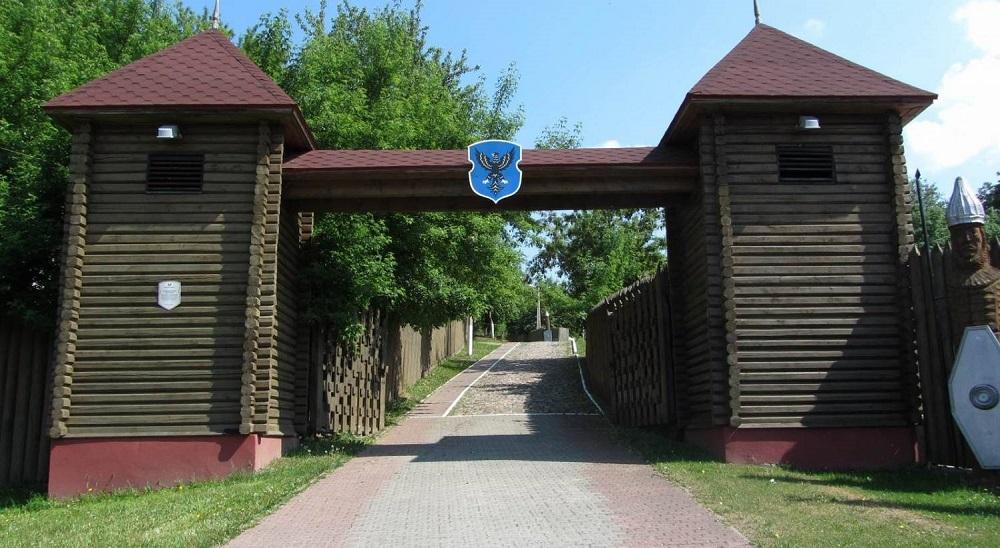 Мозырский-замок-вход