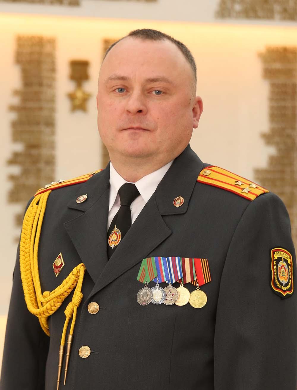 Павлович с медалькой на сайт